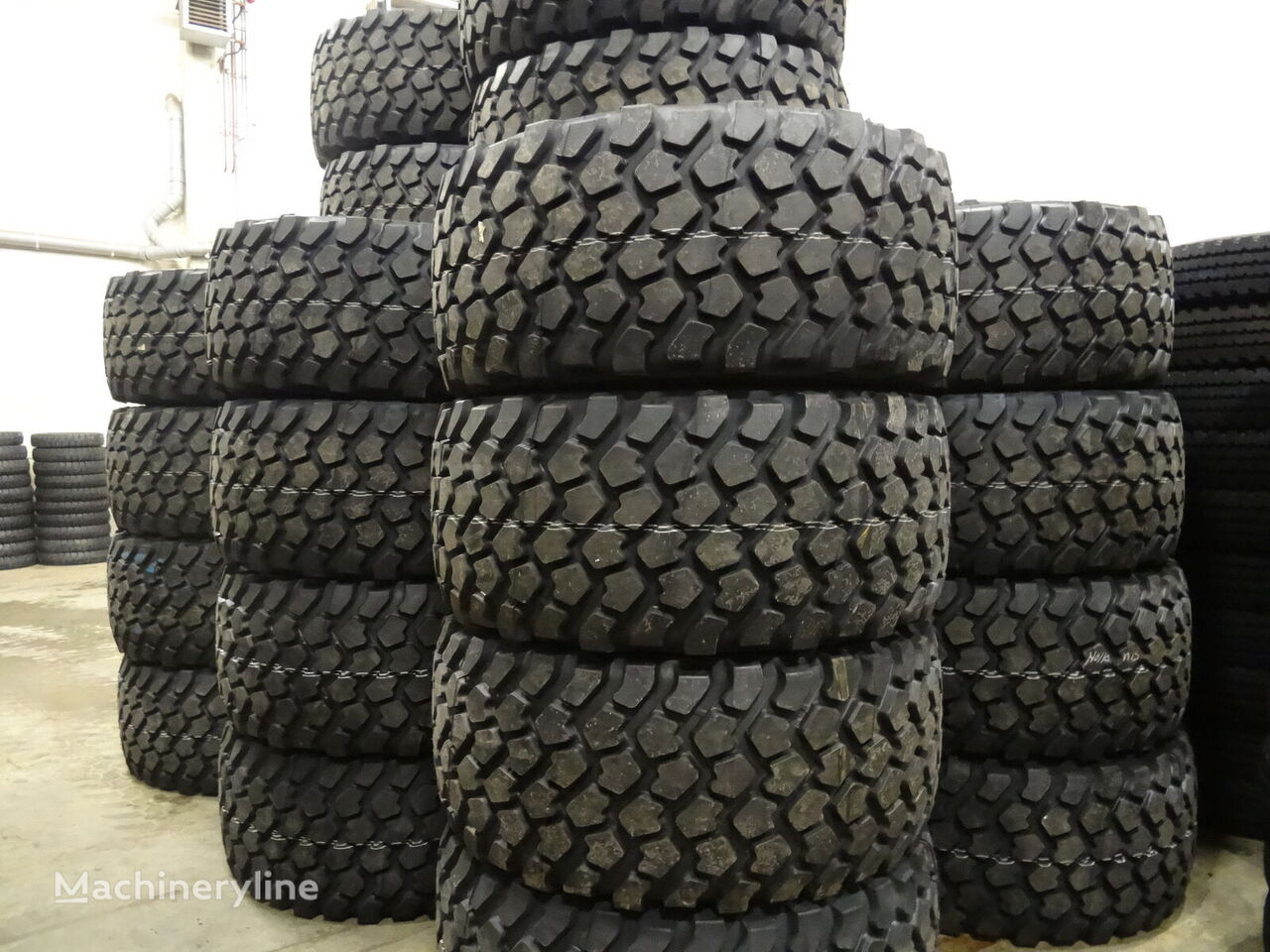 ban mesin konstruksi Michelin 24R21 XZL baru