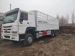 truk box HOWO Cargo truck
