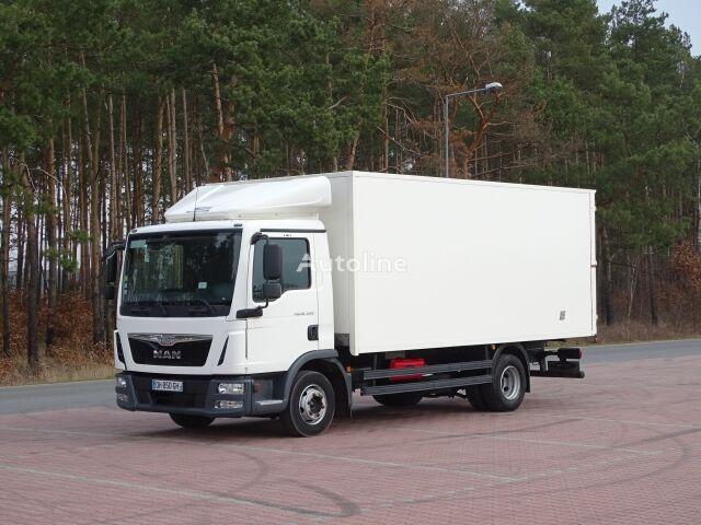truk box MAN TGL 10.220