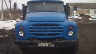 truk flatbed ZIL 554