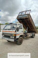 truk pembuangan TOYOTA Dyna 300 14B 3.6 diesel left hand drive 7.5 ton
