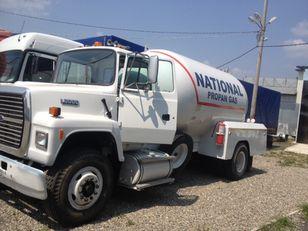 truk pengangkut gas FORD l8000