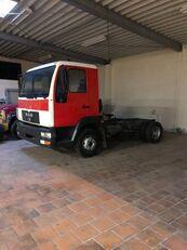 truk sasis MAN 8.145