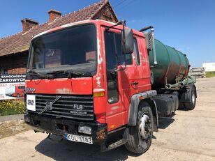 truk tanker VOLVO FL618